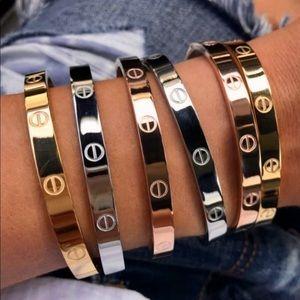 Woman's Love Screw Gift Gold Bracelet Bangle